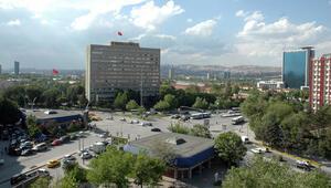 Ankaranın meydanları kavşak oldu
