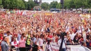 Köln'de 40 binlik Gezi eylemi