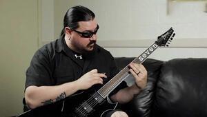 Slipknot grubunun gitaristiMick Thomson bıçaklandı