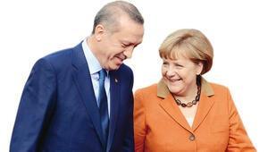 Başbakan Merkel ajanlarına Türkiyeyi dinletmiş