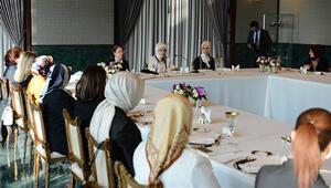 Erdoğandan Cumhurbaşkanlığı Sarayında STK temsilcilerine yemek