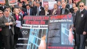 Gazeteciler serbest kalsın