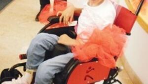 Kermes geliriyle tekerlekli sandalye