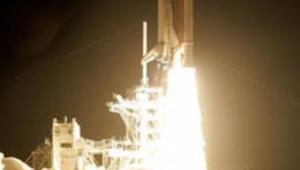 Discovery uzay yolculuğuna başladı