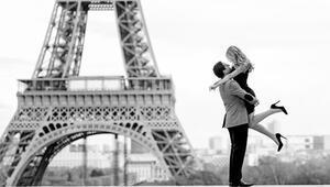 Ertuğrul Özkök Parisi yazdı: Sevgilim, benim için Paris'i baştan sona yürür müsün
