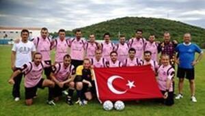 İzmirli avukatlar futbolda Dünya 3.sü