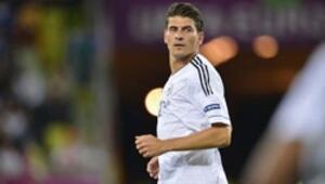 Krallık için Gomez-Ronaldo yarışı