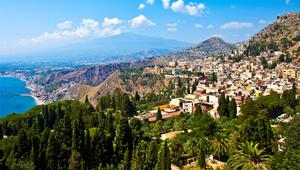 Romans ve tarih kokulu Taormina
