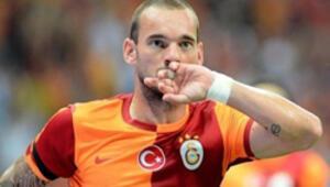 Sneijder: Mutluyum, Galatasarayda kalacağım