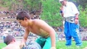Festivalde suyu bedava dağıttılar