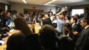 Komisyonda küfürlü tutanak kavgası