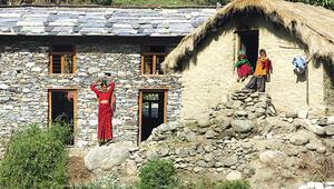 Turistler çoğunlukla Nepal'in batısına gider oysa doğusundaki manzaralar müthiş
