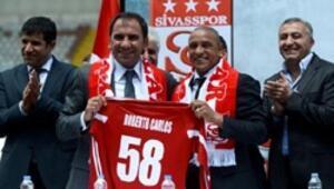 Roberto Carlos sözleşme imzaladı