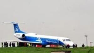 Ukrayna uçağı Atatürk Havalimanında pistten çıktı