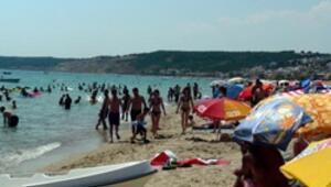 Saros Körfezinde turizmcilerin yüzü gülüyor
