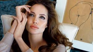 Angelina Jolienin sırlarla dolu hayatı
