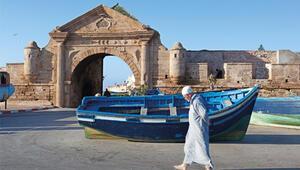 Suveyre'de kapılar geçmişe açılır, çarşılar okyanus kokar
