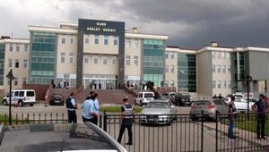 Adliye önünde kalaşnikof, pompalı tüfek ve tabancalı saldırı: 3 yaralı, 12 gözaltı