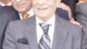 50 yıllık başkanlıkla Kanuni'yi bile geçti yeniden başkan oldu