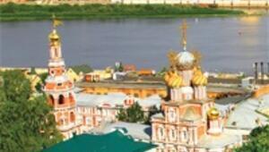 Volga'da Türkler Tarkan'la coşuyor Kizhi'nin yapılarına hayran kalıyor
