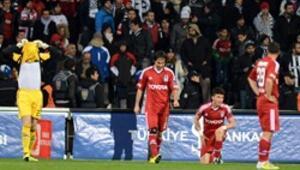 Beşiktaş, üstünlüğünü koruyamıyor