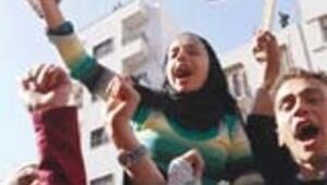 Suriye'de ABD'ye lanet gösterisi