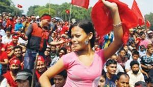 Avrupalı işçi krizi protesto için yürüdü