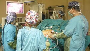 Tüp mide ameliyatıyla zayıflayacak