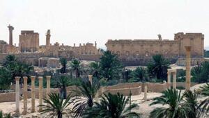 IŞİD Palmiradaki türbeleri havaya uçurdu