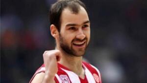 Olympiakos burun farkıyla