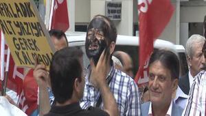 İstanbul İl Milli Eğitim Müdürlüğü önünde müdür eylemi