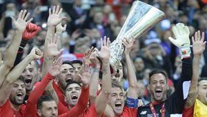 Dnipro 2 -3 Sevilla