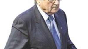 Sepp Blatter 4. kez başkan seçildi