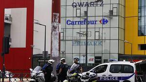 Pariste bir alışveriş merkezini basan soyguncular kayıplara karıştı