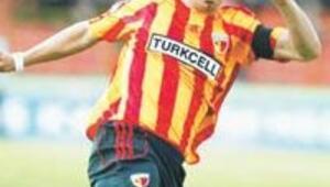 Mehmet Topuz ayın futbolcusu oldu