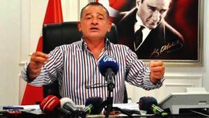 Erdoğan Demir: 'Bir günde bin 400 işçi çıkardık'