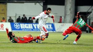Karşıyaka Başkanı Dinizden futbolculara sitem