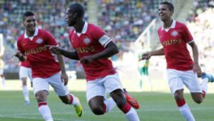 Ajax ve PSV lige galibiyetle başladı