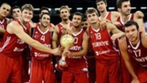 12 Dev Adamın yeni antrenörü Tanjevic