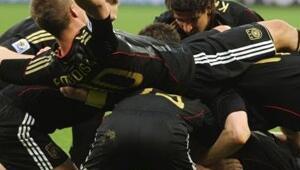 Almanya yarı finalde: 4-0
