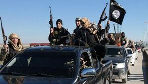 IŞİD Suriyenin Karyatayn kentini ele geçirdi