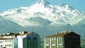 Erciyes'in eteğindeki ticaret, kültür şehri