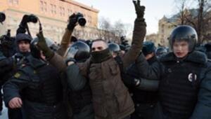 Putin karşıtı eylemde 40 gözaltı