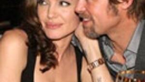Angelina Jolie hamile