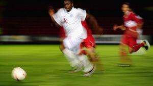 İşte dünyanın en hızlı futbolcusu...