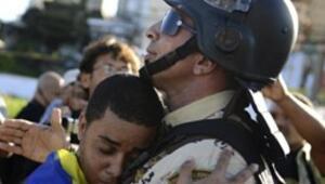Polis: Gösterileri destekliyoruz Göstericilerin yanındayız