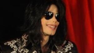 Michael Jackson 60 gün gerçek uyku uyumadı