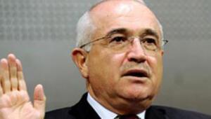 Meclis Başkanı Çiçek: Pavey pantolonla gelebilir