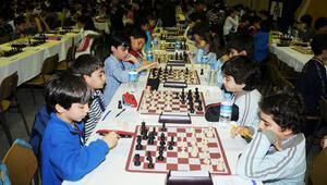 1600 öğrenci satranç mücadelesinde