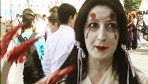 İstanbulda yüzlerce zombi